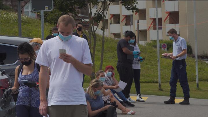Triemli-Spital will Testwillige weniger lange wartenlassen